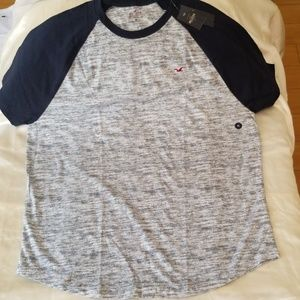 Hollister Must Have Collection Tee - XL